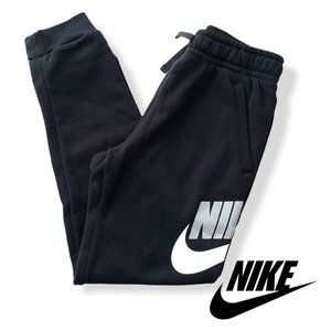 Nike Boy's NSW Club Fleece Jogger Pants Large